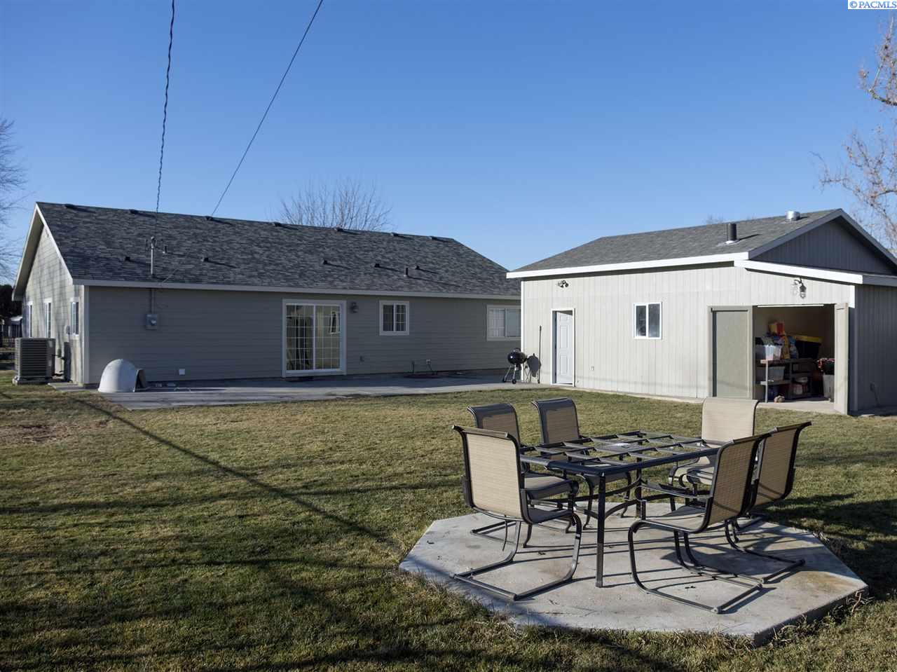 Additional photo for property listing at 105 S Williams Street 105 S Williams Street Kennewick, Washington 99336 United States
