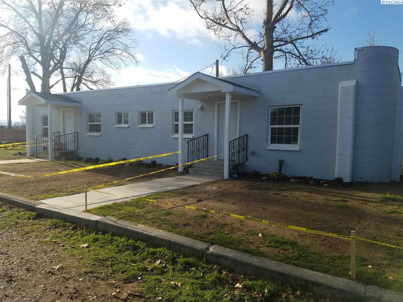 Single Family Home for Sale at 414 E 4th Ave 414 E 4th Ave Kennewick, Washington 99336 United States
