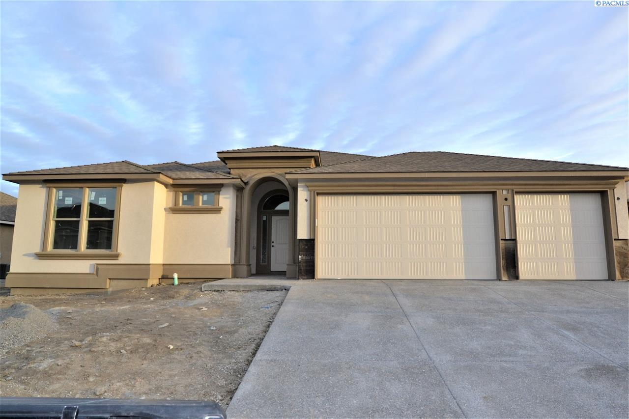 Single Family Home for Sale at 1020 Chinook Dr 1020 Chinook Dr Richland, Washington 99352 United States