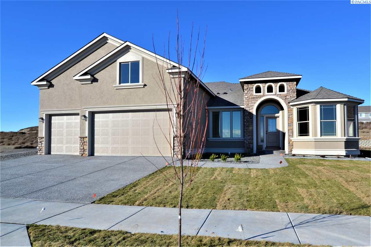 Single Family Home for Sale at 2972 S Harrison St 2972 S Harrison St Kennewick, Washington 99336 United States