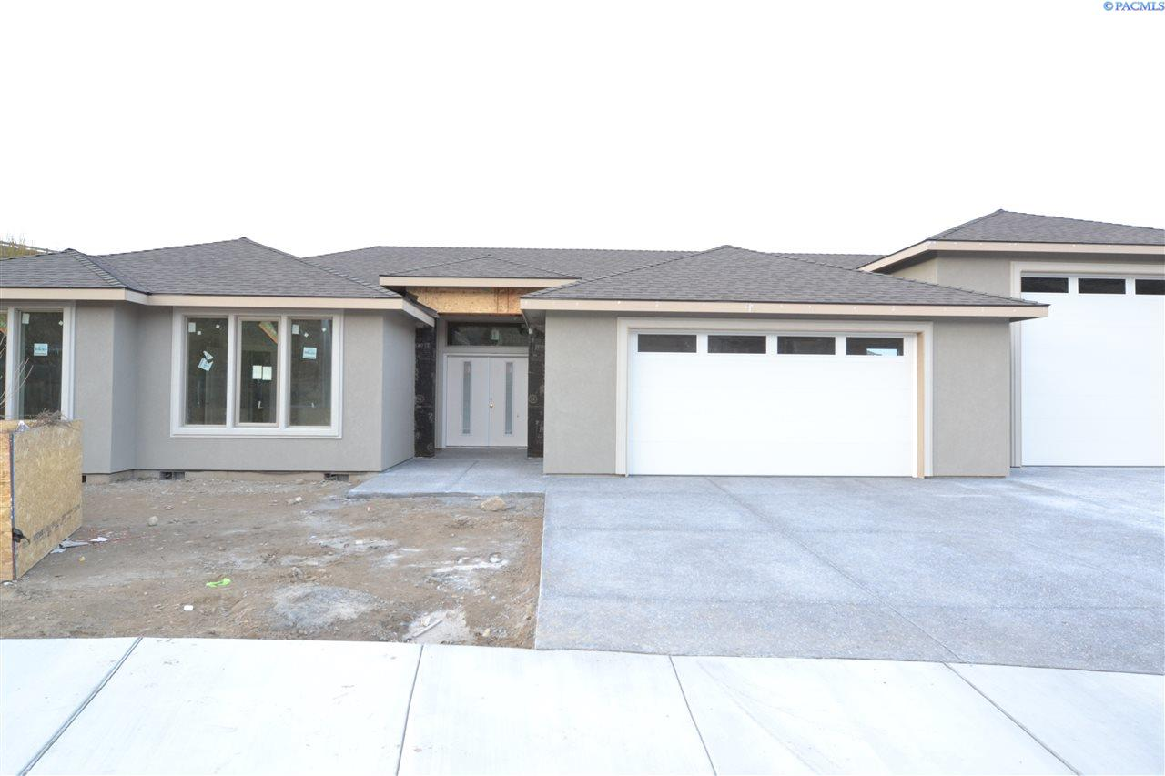 Single Family Home for Sale at 4856 Tillamook Dr 4856 Tillamook Dr Richland, Washington 99352 United States