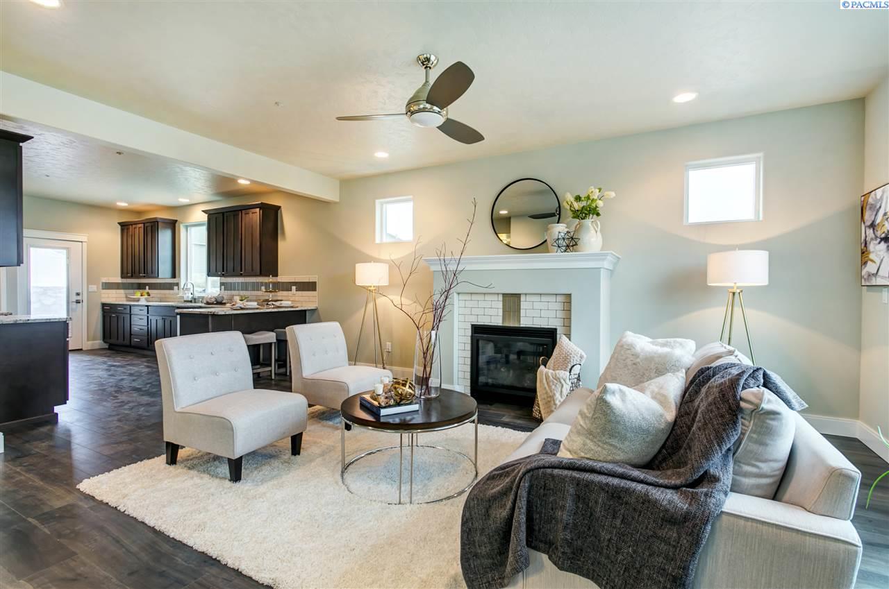 Single Family Home for Sale at 4646 Corvina Street 4646 Corvina Street Richland, Washington 99352 United States