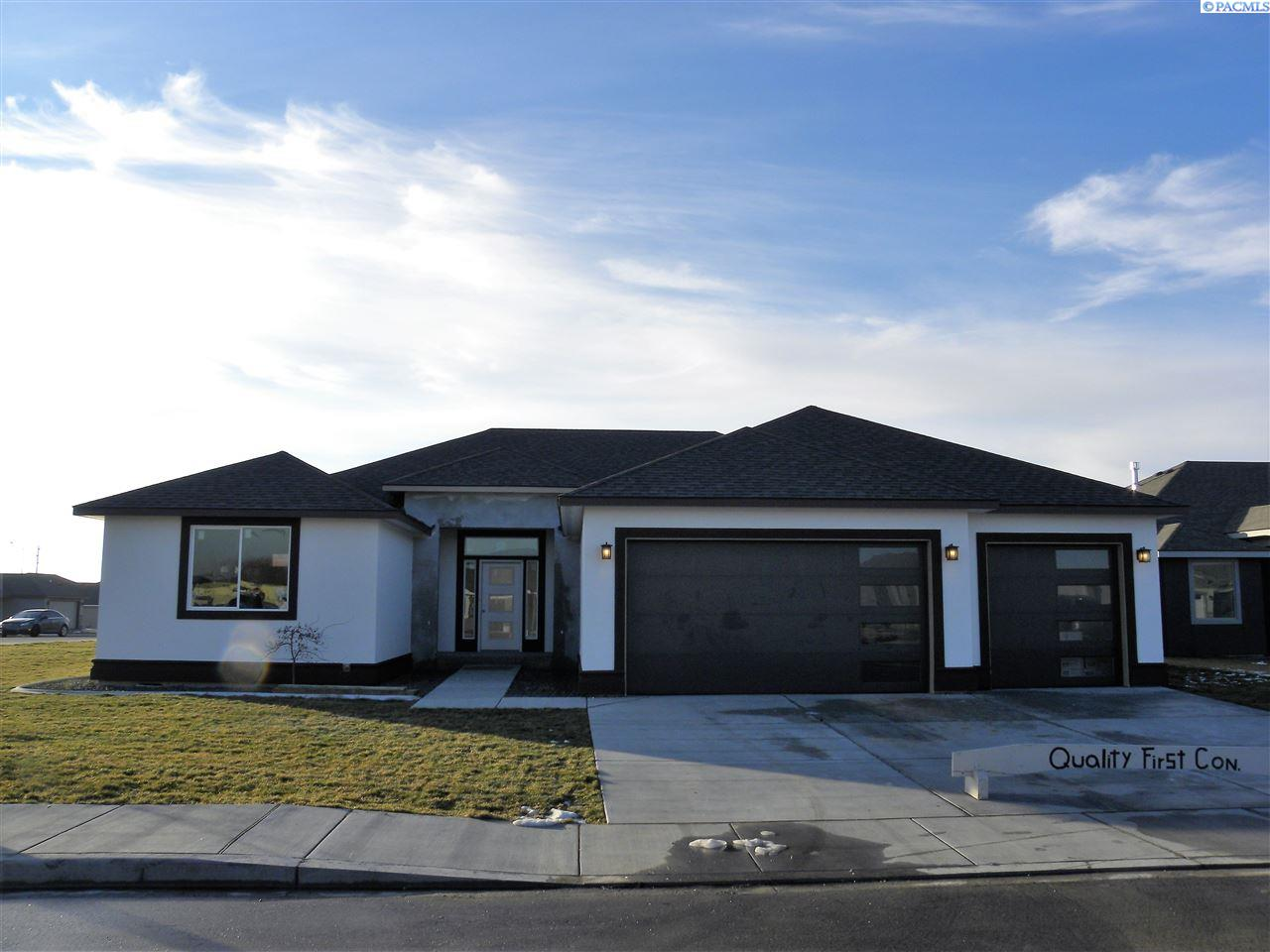 Single Family Home for Sale at 5914 Cotswold Ln 5914 Cotswold Ln Pasco, Washington 99301 United States