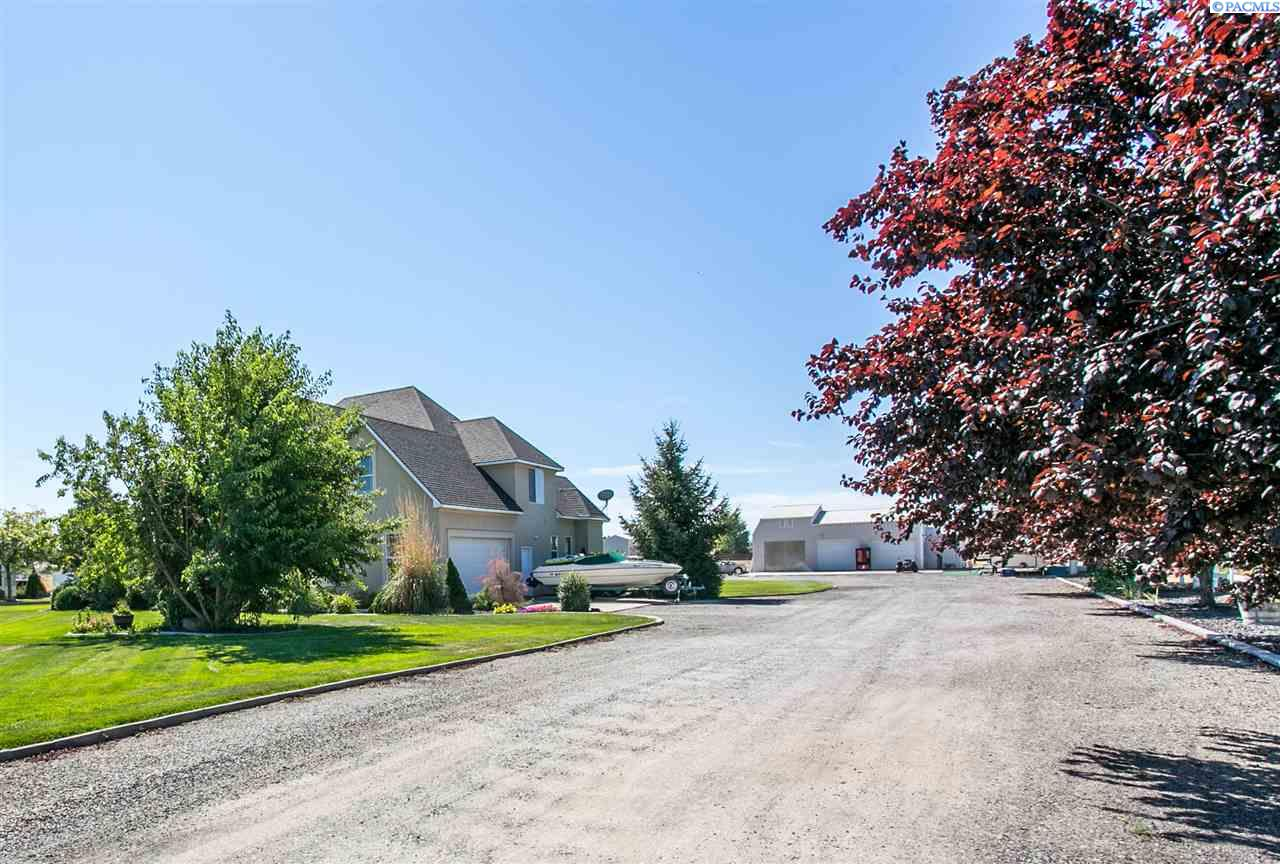 Single Family Home for Sale at 5832 Overton Rd 5832 Overton Rd Pasco, Washington 99301 United States