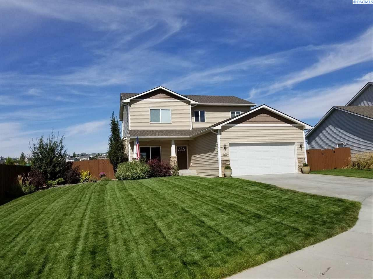 Single Family Home for Sale at 1320 SW Lehman 1320 SW Lehman Pullman, Washington 99163 United States