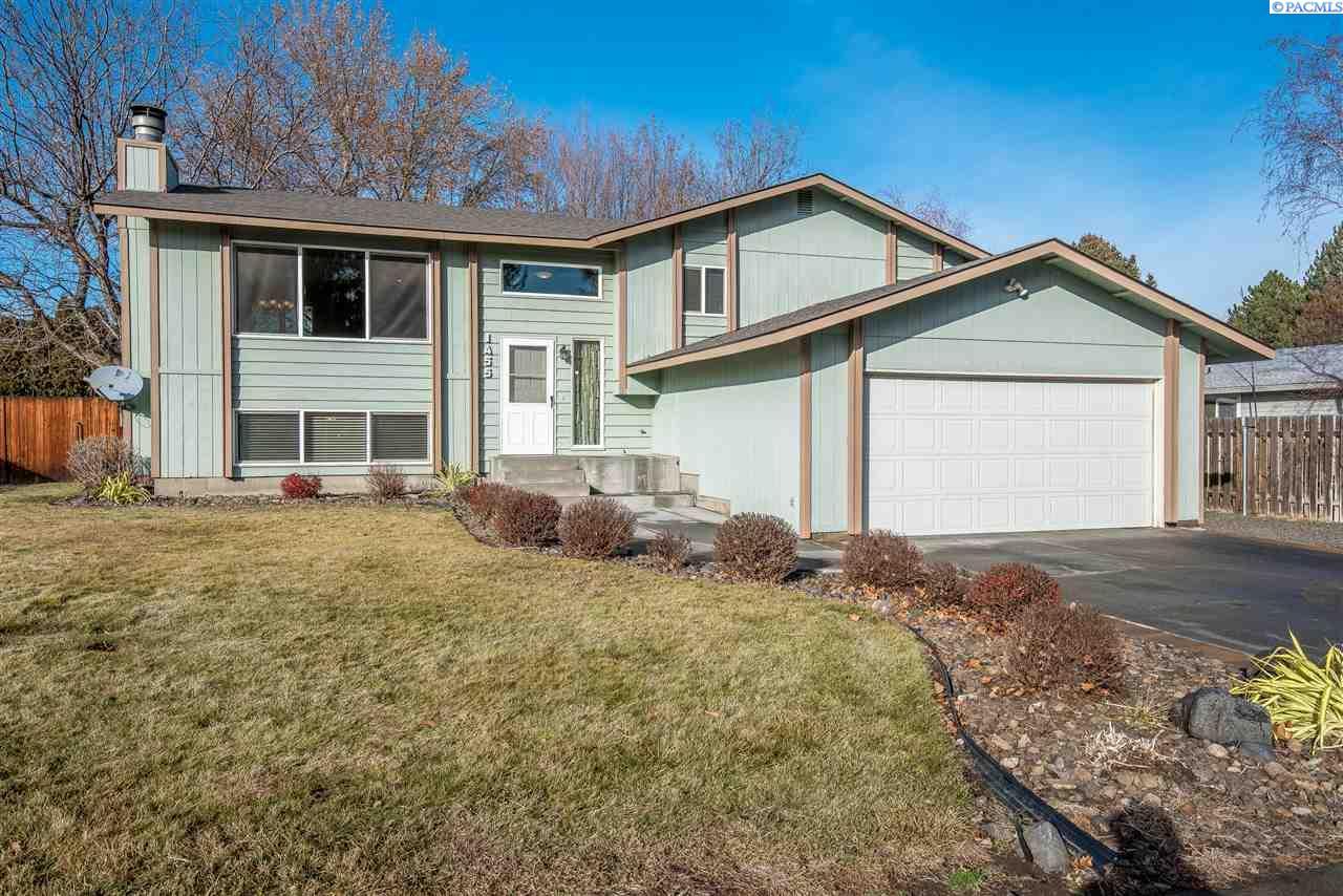 Single Family Home for Sale at 1455 Cimarron Avenue 1455 Cimarron Avenue Richland, Washington 99352 United States