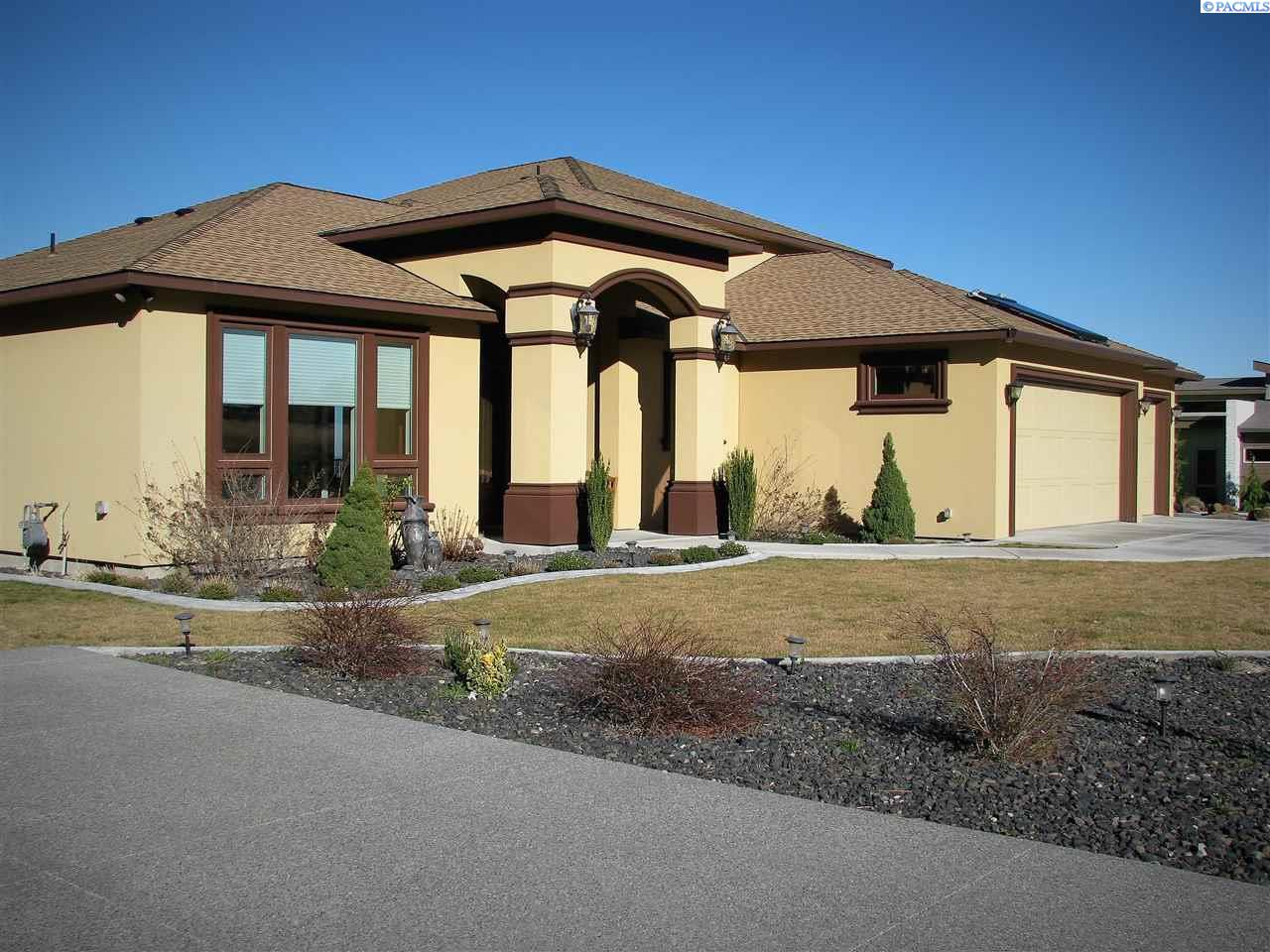 Single Family Home for Sale at 1261 Plateau Dr 1261 Plateau Dr Richland, Washington 99352 United States