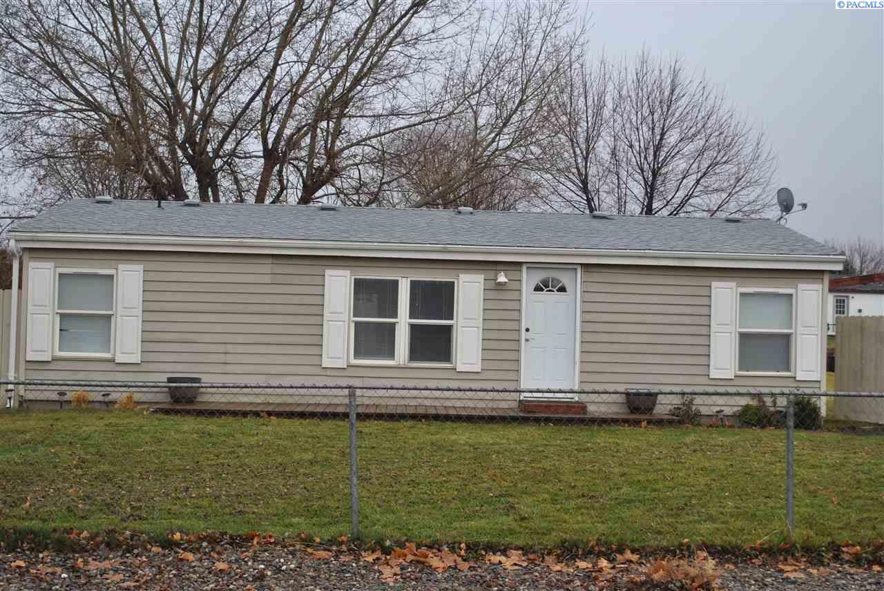 Single Family Home for Sale at 35403 Redstone Drive 35403 Redstone Drive Benton City, Washington 99320 United States