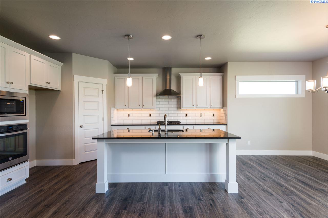 Additional photo for property listing at 12315 Rock Creek Drive 12315 Rock Creek Drive Pasco, Washington 99301 United States