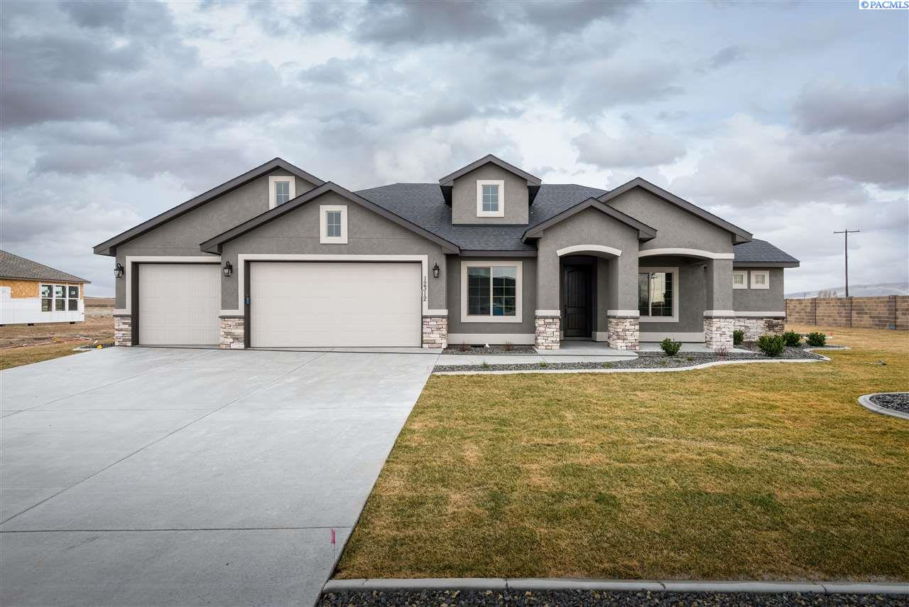 Single Family Home for Sale at 12312 Rock Creek Drive 12312 Rock Creek Drive Pasco, Washington 99301 United States