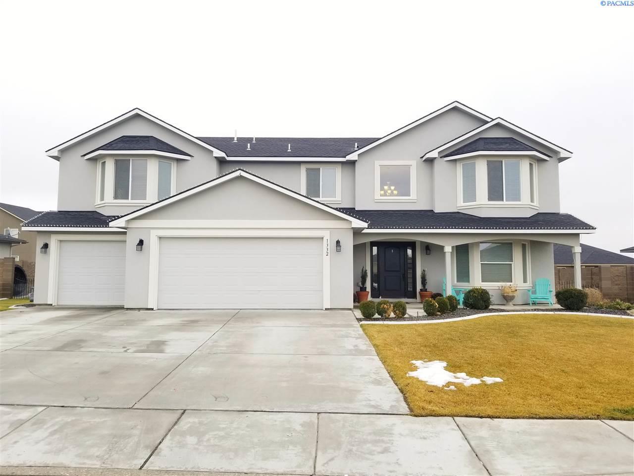 Single Family Home for Sale at 1332 Onyx Avenue 1332 Onyx Avenue West Richland, Washington 99353 United States