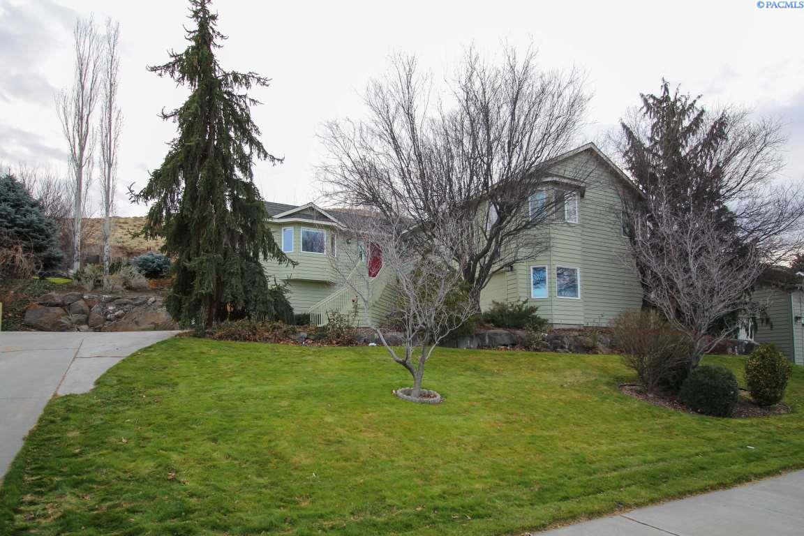 Single Family Home for Sale at 6113 W 20th Avenue 6113 W 20th Avenue Kennewick, Washington 99336 United States