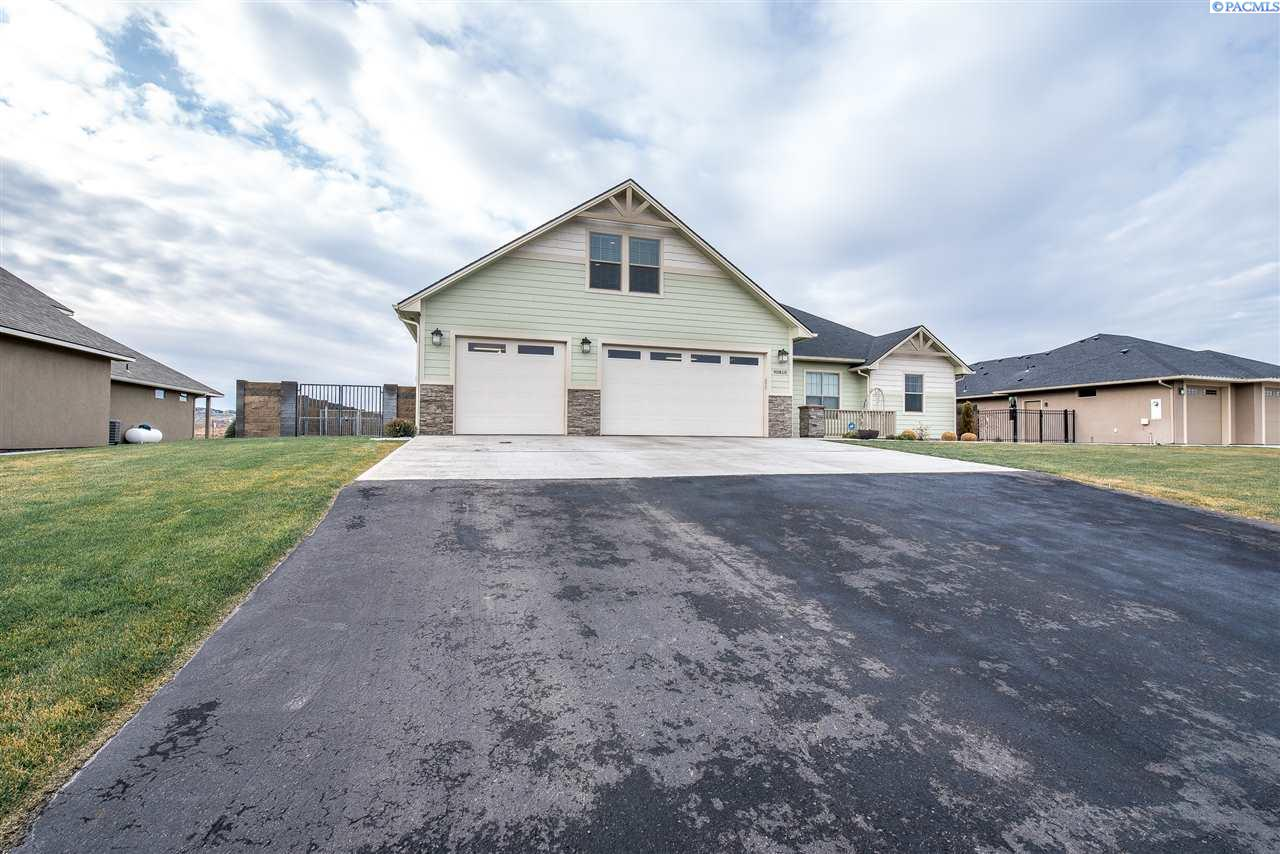 Single Family Home for Sale at 90810 Summit View Dr 90810 Summit View Dr Kennewick, Washington 99337 United States