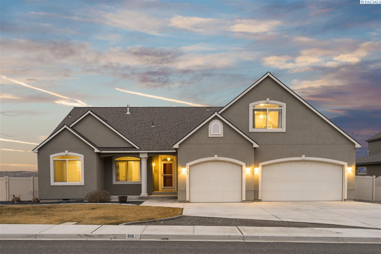 Single Family Home for Sale at 616 Melissa 616 Melissa Richland, Washington 99352 United States