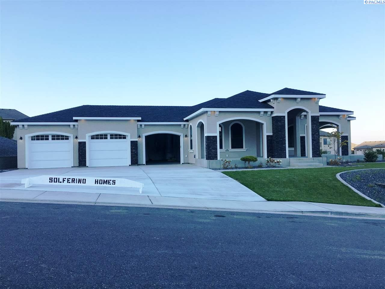 Single Family Home for Sale at 1413 Meadow Hills Dr. 1413 Meadow Hills Dr. Richland, Washington 99352 United States