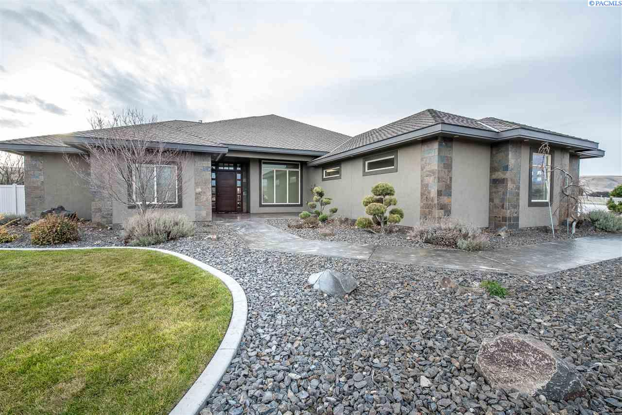 Single Family Home for Sale at 21809 Cottonwood Springs Blvd 21809 Cottonwood Springs Blvd Kennewick, Washington 99338 United States