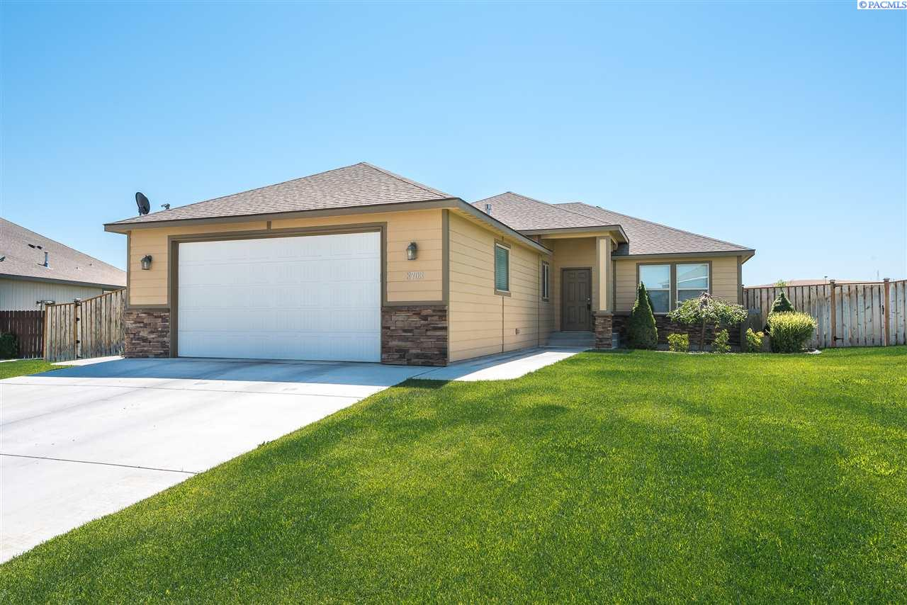 Single Family Home for Sale at 3703 W 22nd Ave. 3703 W 22nd Ave. Kennewick, Washington 99338 United States
