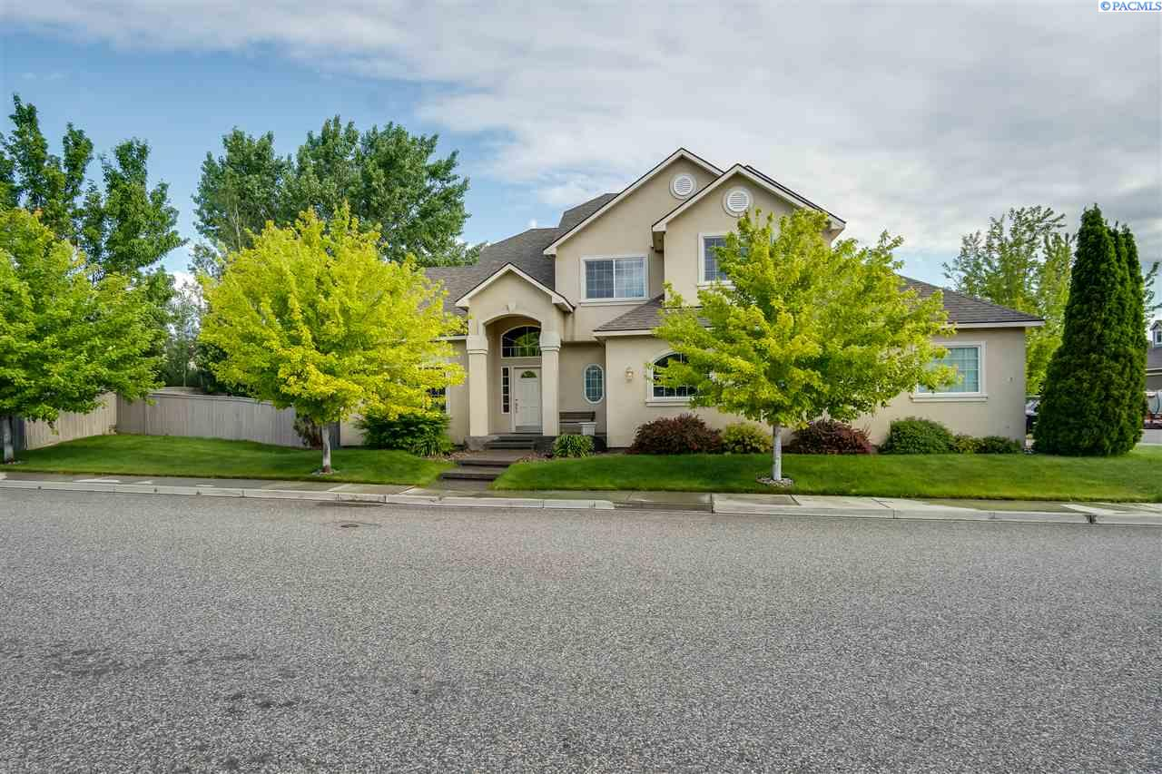 Single Family Home for Sale at 1112 S Grant St 1112 S Grant St Kennewick, Washington 99338 United States