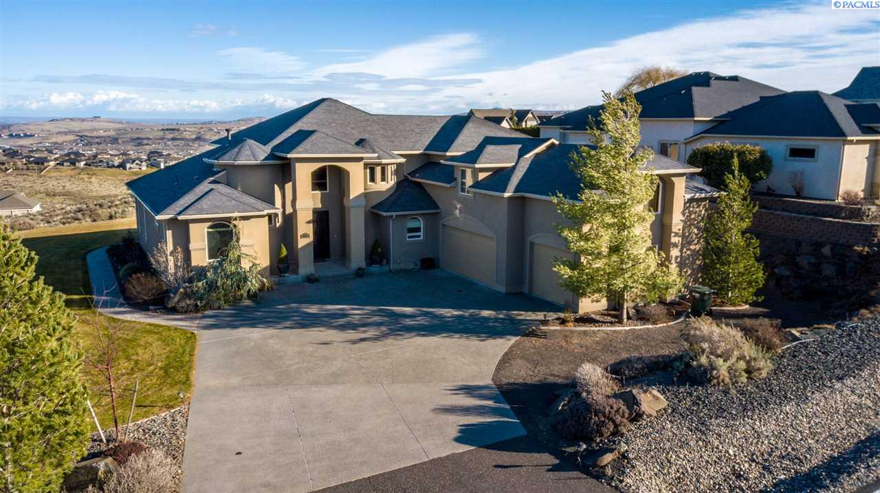 Single Family Home for Sale at 16601 S Grandview 16601 S Grandview Kennewick, Washington 99338 United States