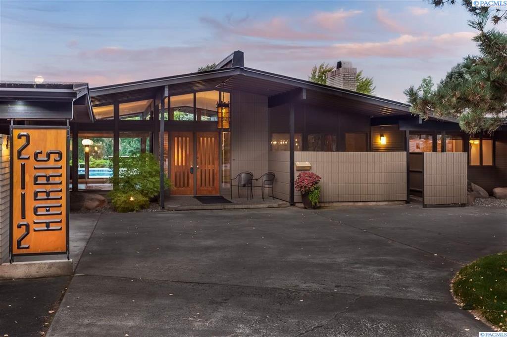 Single Family Home for Sale at 2112 Harris Ave 2112 Harris Ave Richland, Washington 99354 United States