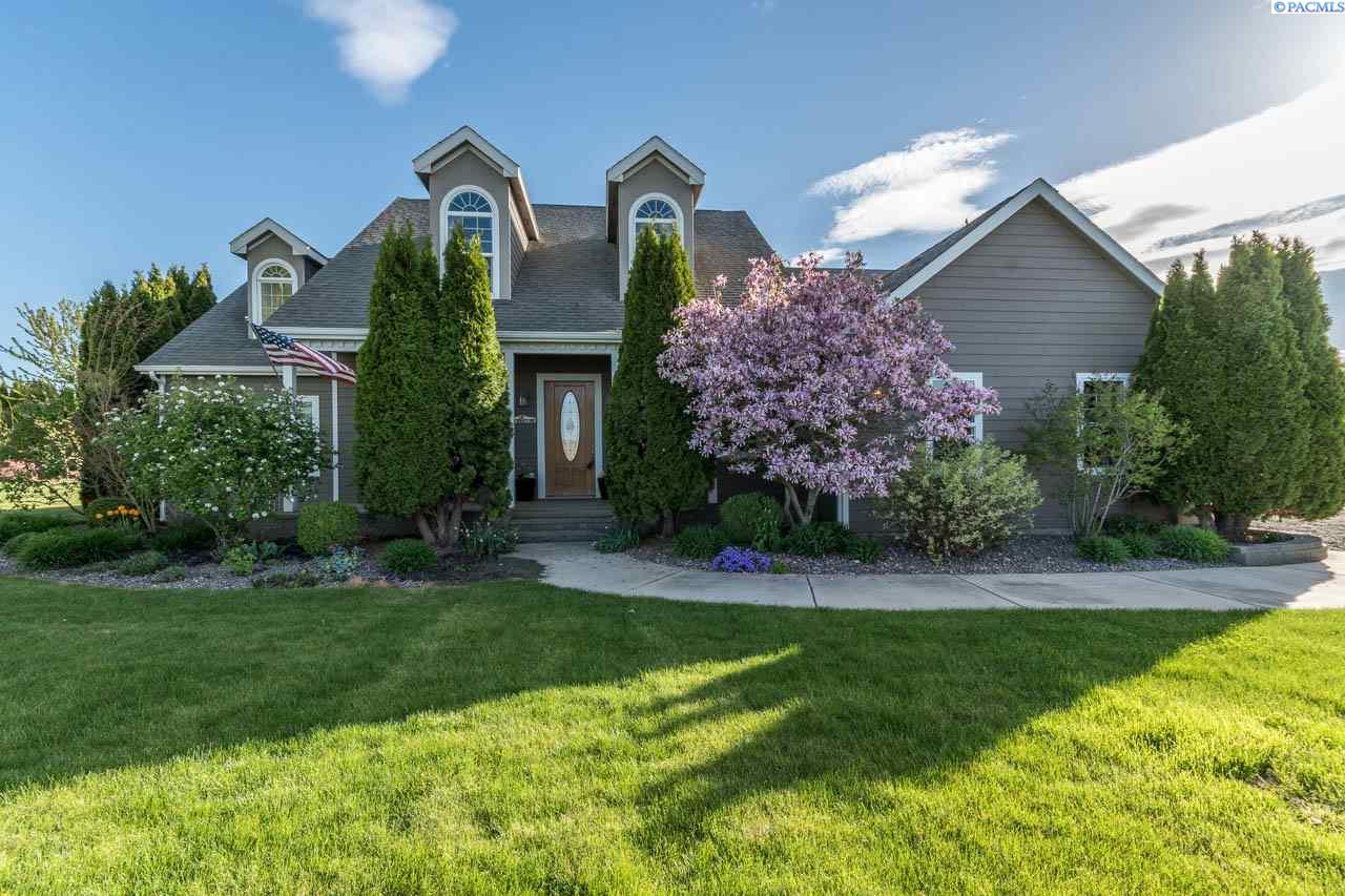 Single Family Home for Sale at 503 Fraser Dr 503 Fraser Dr Pasco, Washington 99301 United States