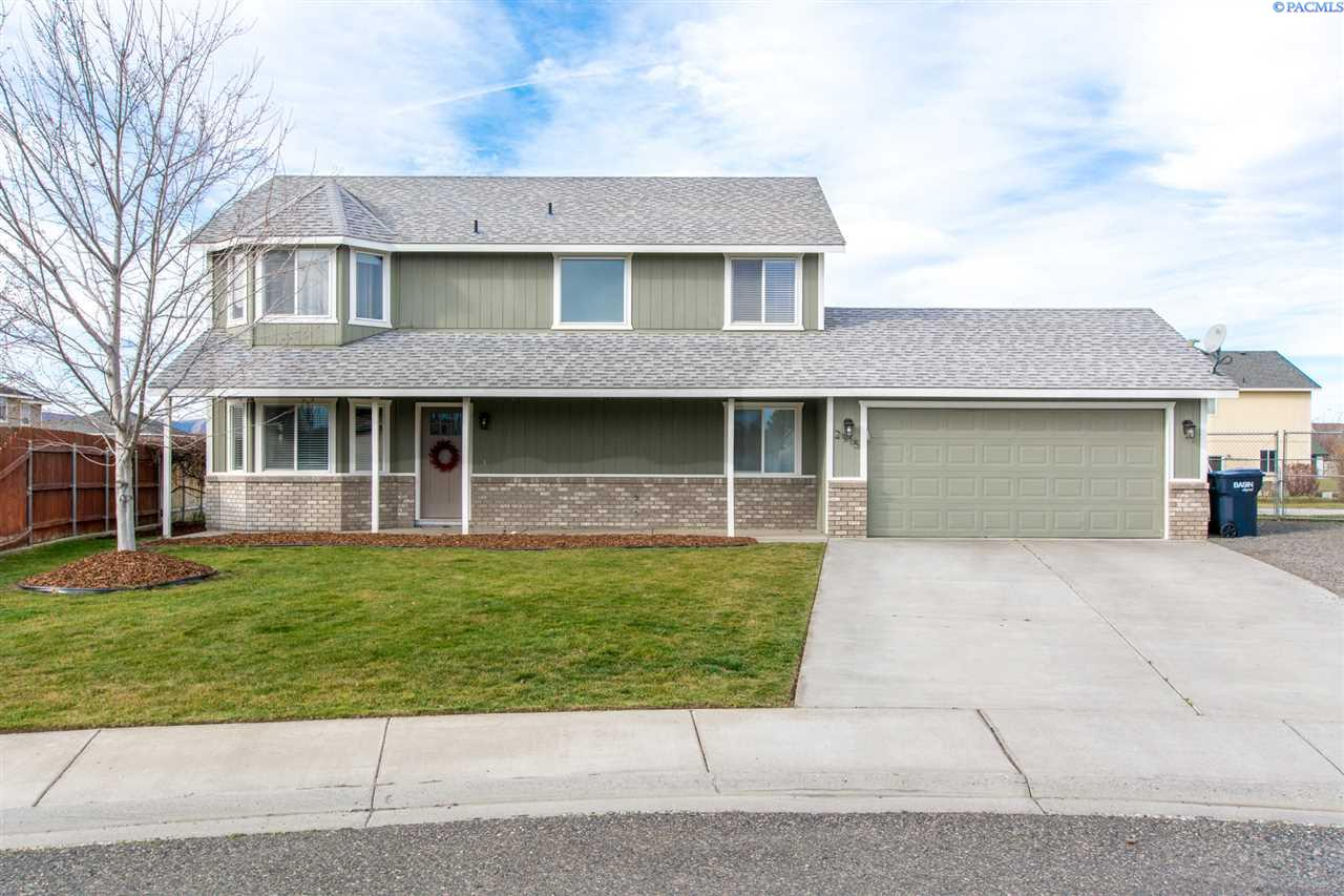 Single Family Home for Sale at 2915 Bluet Dr 2915 Bluet Dr West Richland, Washington 99353 United States