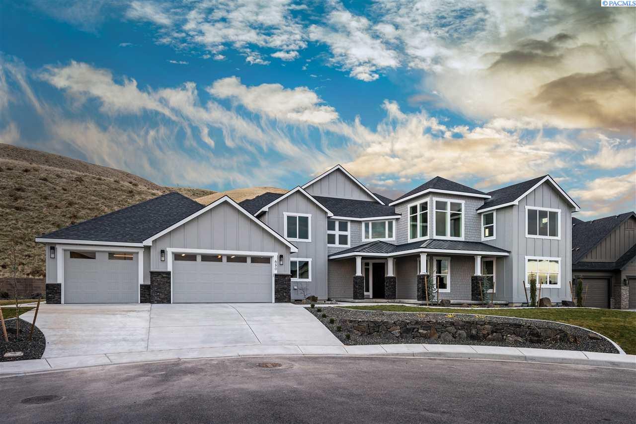 Single Family Home for Sale at 680 Isola Vista Ct 680 Isola Vista Ct Richland, Washington 99352 United States