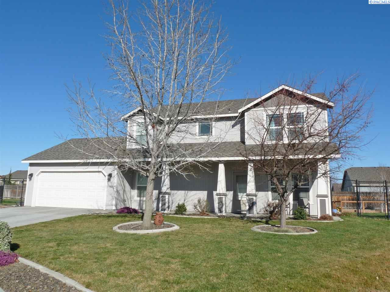 Single Family Home for Sale at 5102 Desert Dove Loop 5102 Desert Dove Loop West Richland, Washington 99353 United States