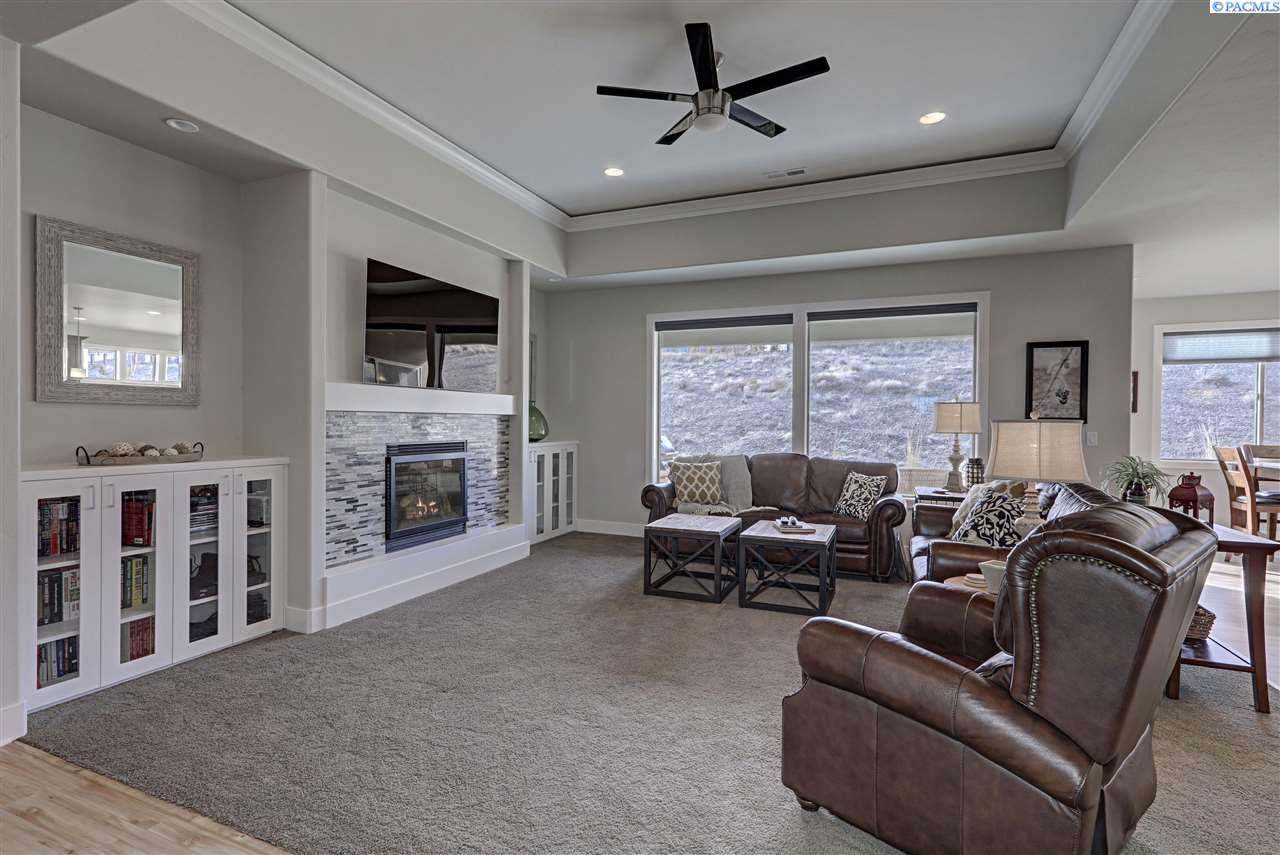 Additional photo for property listing at 2343 Copperhill Street 2343 Copperhill Street Richland, Washington 99354 United States