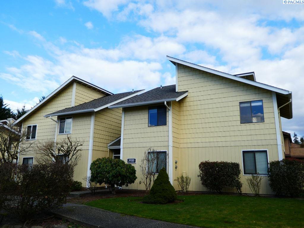 Condominium for Sale at 14133 NE 7th Place 14133 NE 7th Place Bellevue, Washington 98007 United States