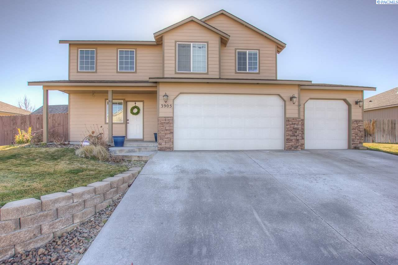 Single Family Home for Sale at 3905 W 22nd Ave. 3905 W 22nd Ave. Kennewick, Washington 99338 United States