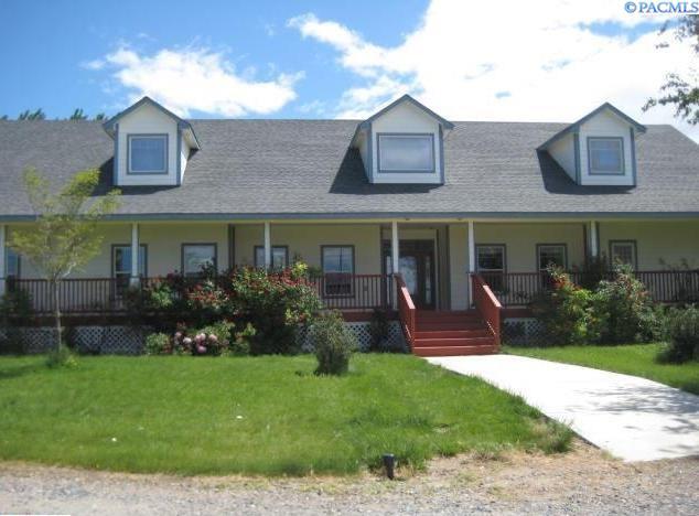 Single Family Home for Sale at 91 Larkspur 91 Larkspur Pasco, Washington 99301 United States