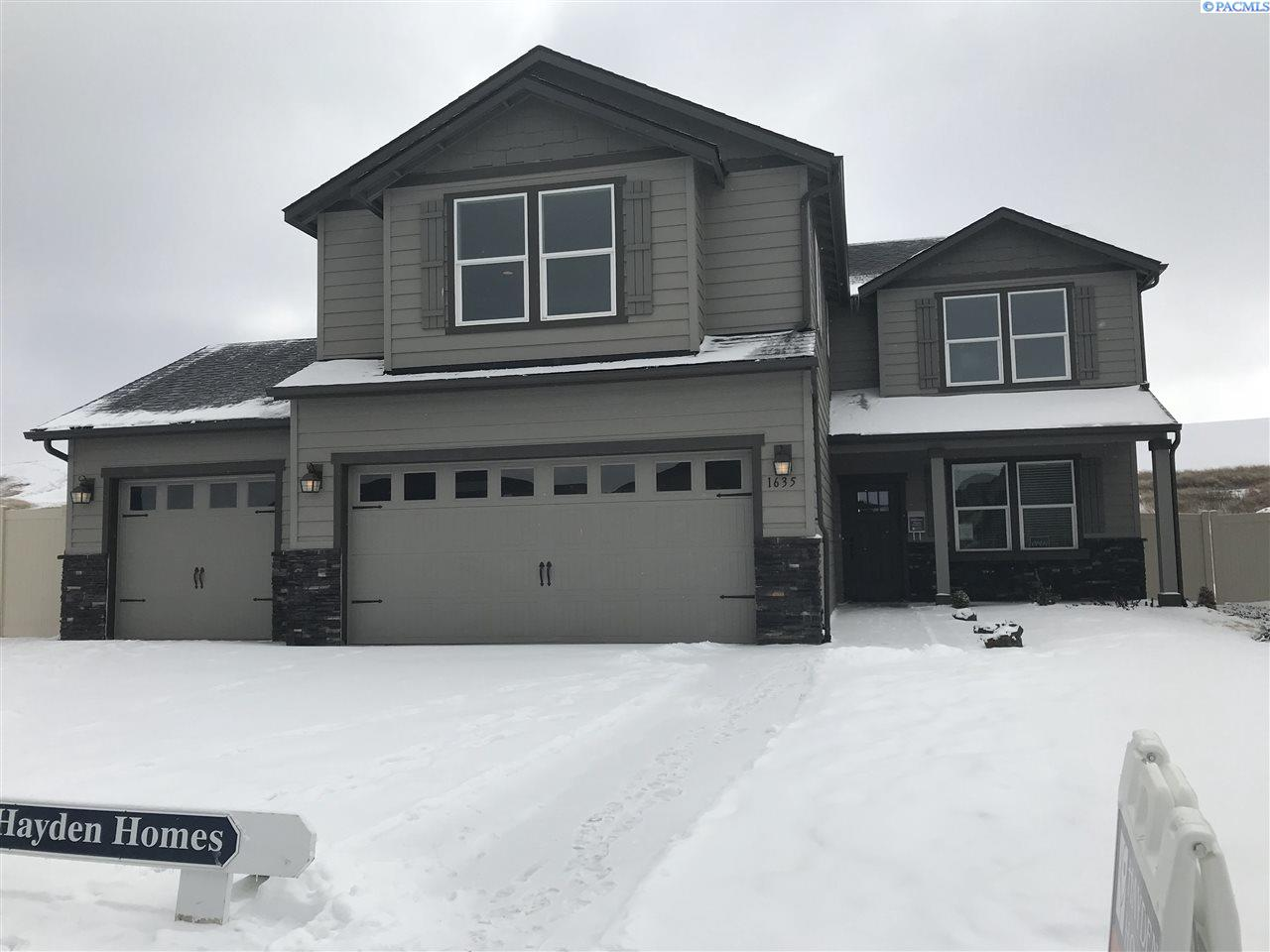 Single Family Home for Sale at 1635 SW Panorama Drive 1635 SW Panorama Drive Pullman, Washington 99163 United States