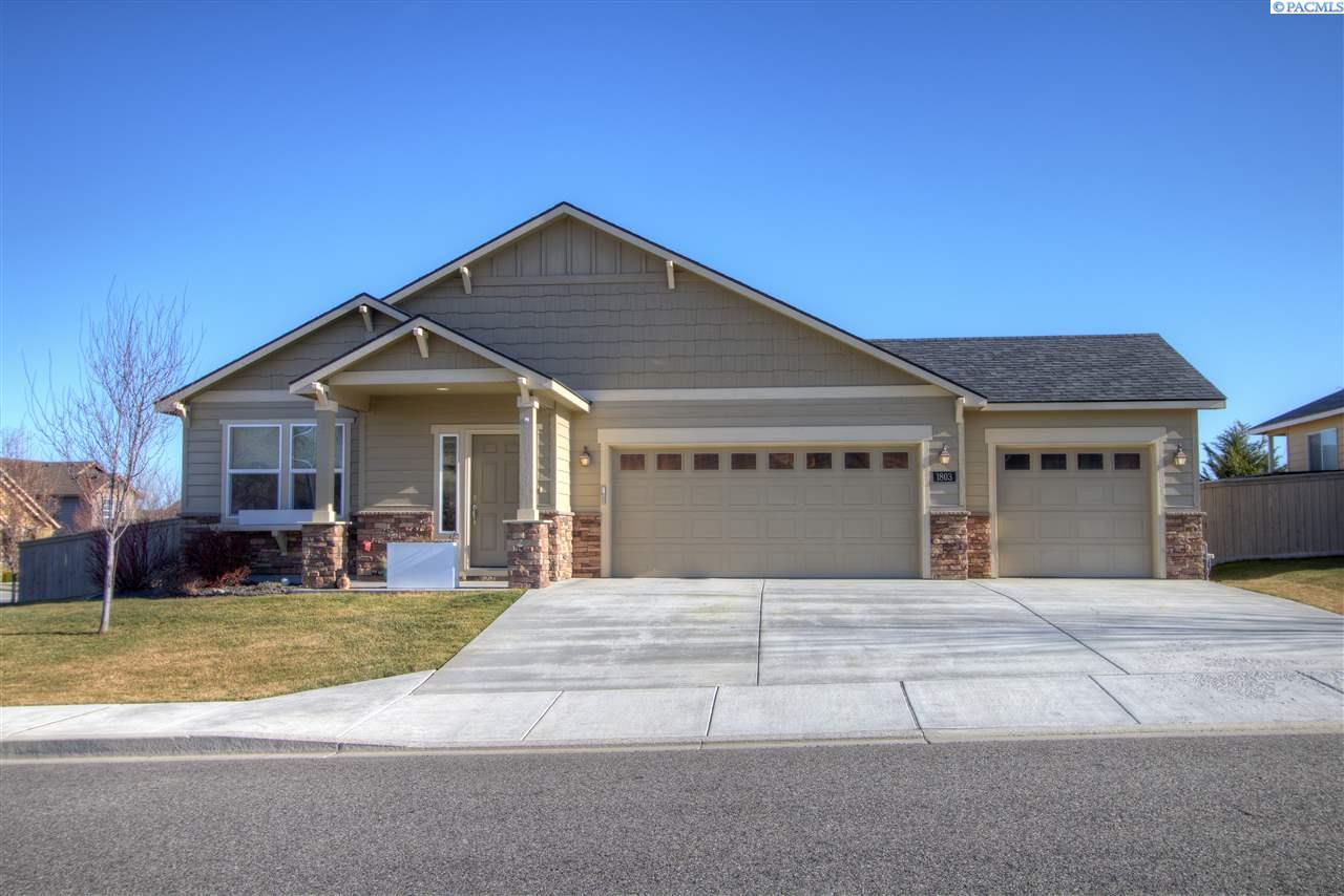 Single Family Home for Sale at 1803 S Jefferson Pl 1803 S Jefferson Pl Kennewick, Washington 99338 United States