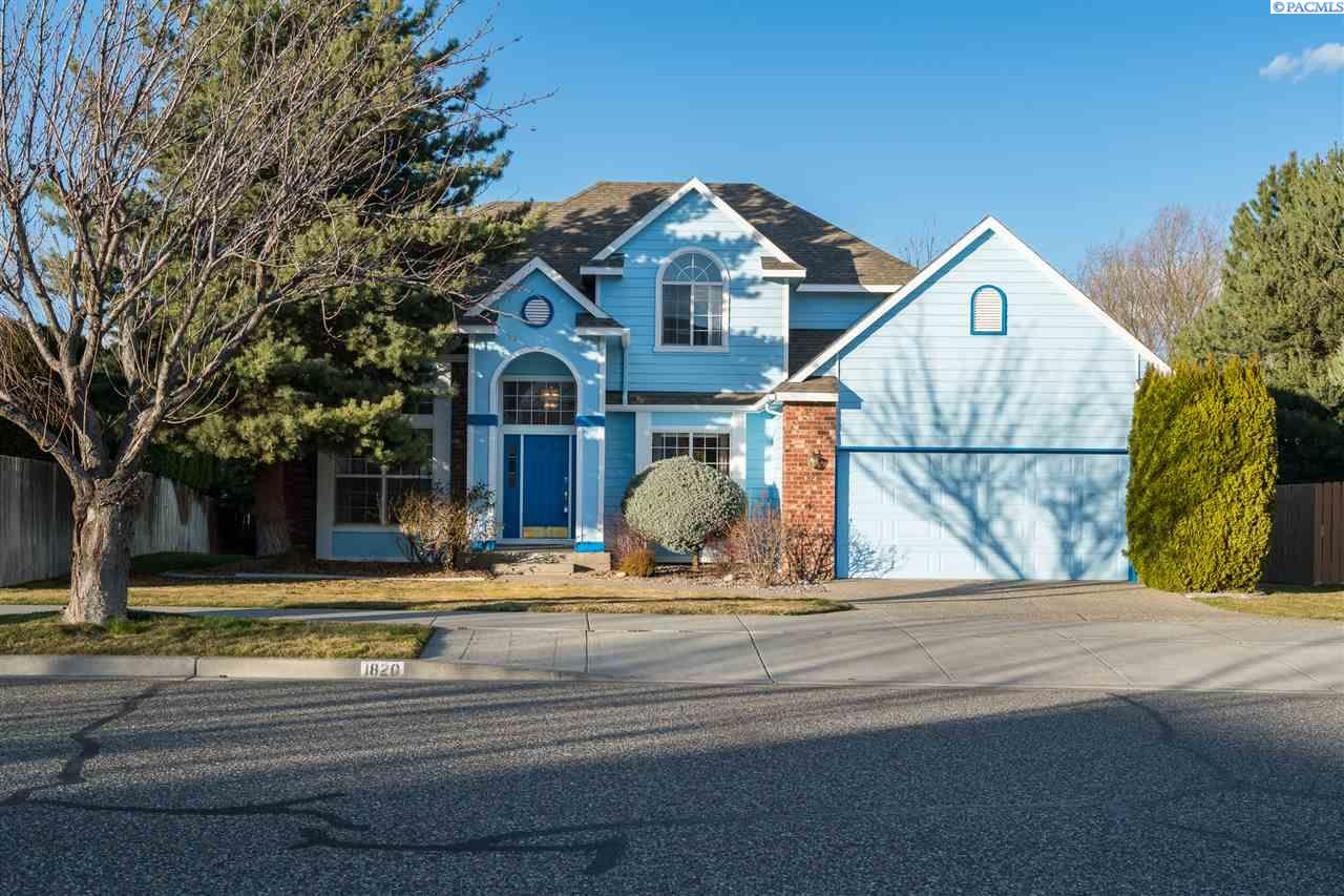 Single Family Home for Sale at 1820 Newhaven Loop 1820 Newhaven Loop Richland, Washington 99352 United States