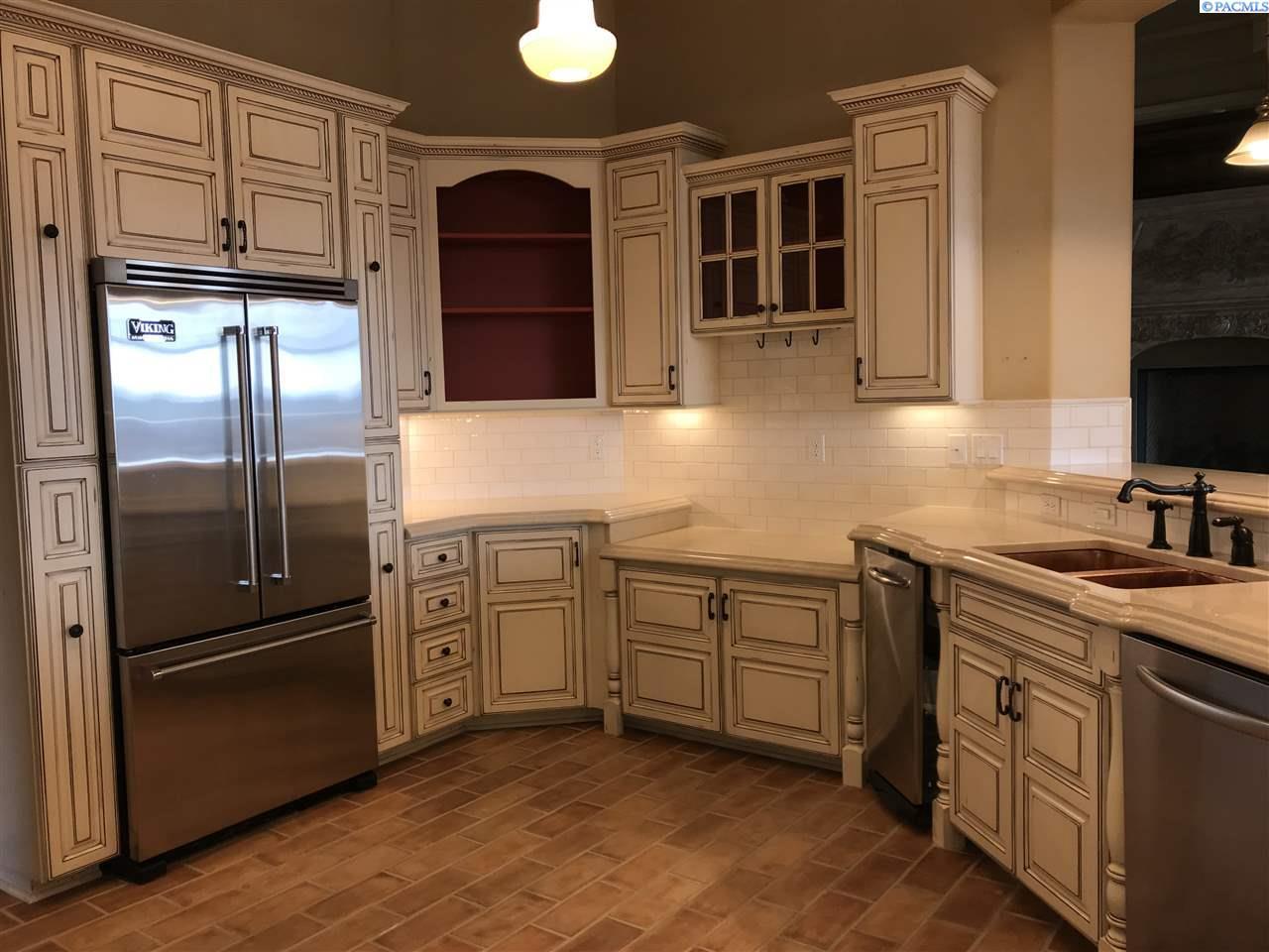 Additional photo for property listing at 3077 Riverbend Dr. 3077 Riverbend Dr. Richland, Washington 99354 United States