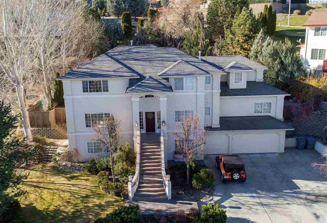 Single Family Home for Sale at 355 Riverwood St 355 Riverwood St Richland, Washington 99352 United States