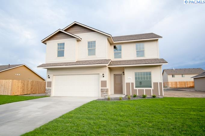 Single Family Home for Sale at 5001 Perga Drive 5001 Perga Drive Pasco, Washington 99301 United States