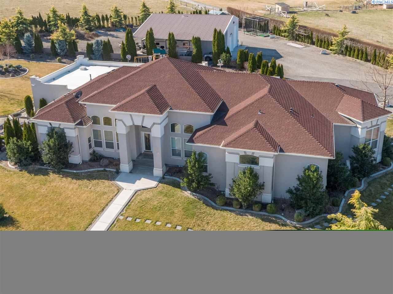 Single Family Home for Sale at 73103 Arena Road 73103 Arena Road Richland, Washington 99352 United States