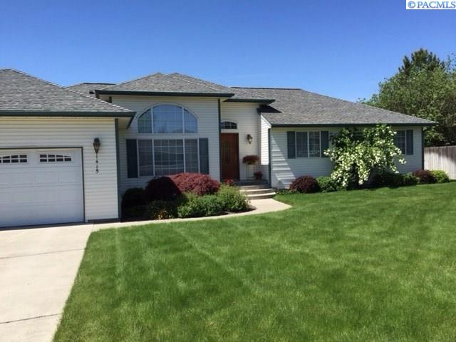 Single Family Home for Sale at 1415 SE Harvest Drive 1415 SE Harvest Drive Pullman, Washington 99163 United States