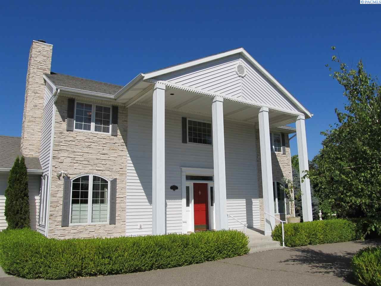 Single Family Home for Sale at 308 Shaw St 308 Shaw St Richland, Washington 99354 United States