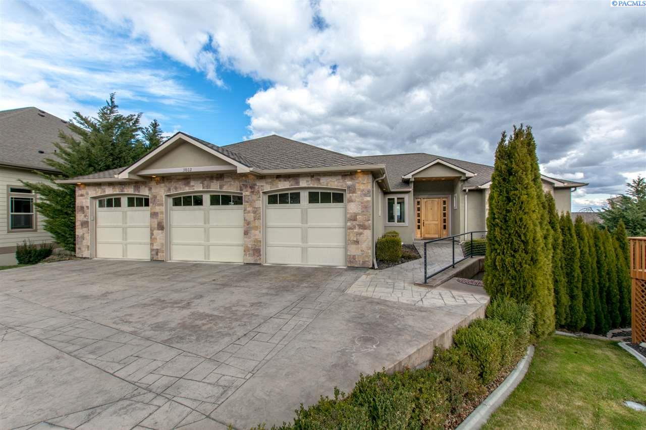 Single Family Home for Sale at 3802 W 40th Place 3802 W 40th Place Kennewick, Washington 99337 United States