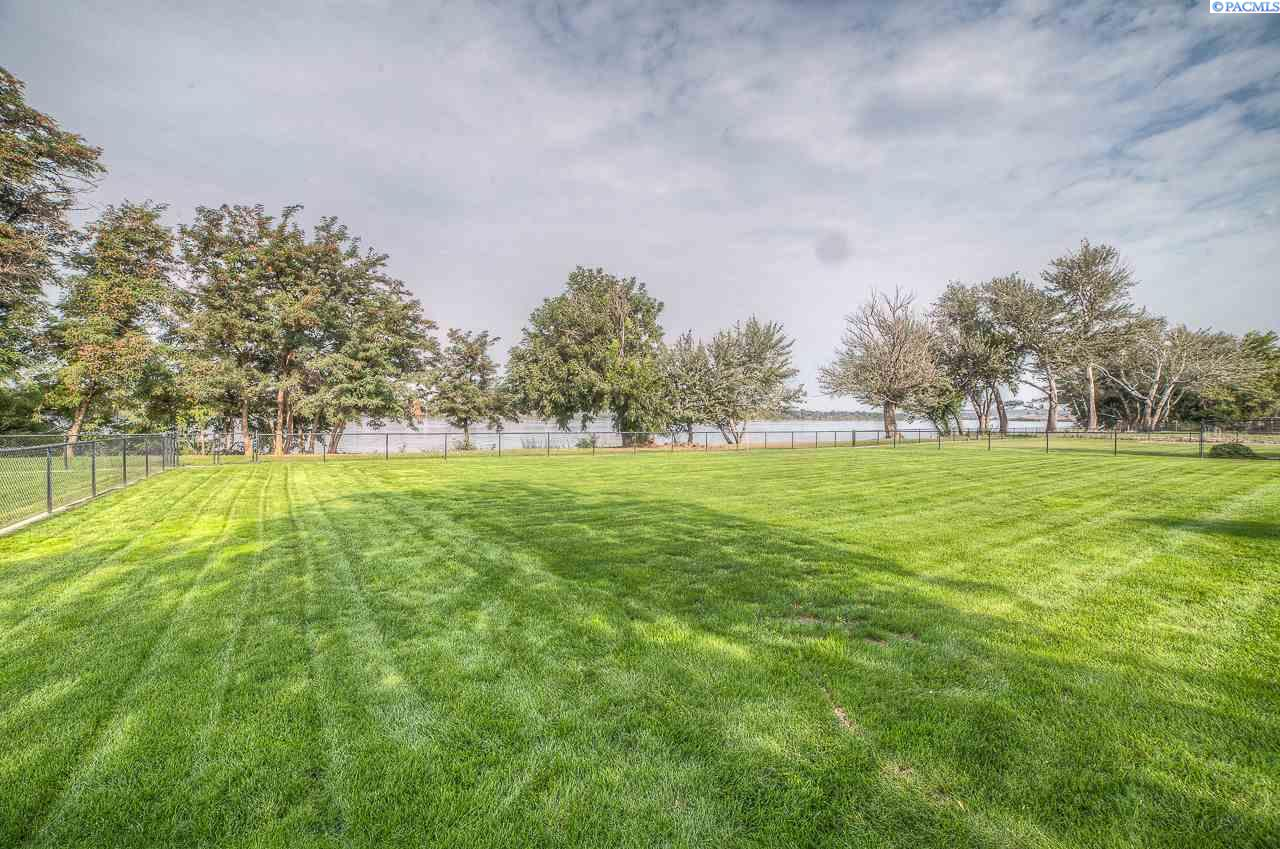 Additional photo for property listing at 7216 Ricky Road 7216 Ricky Road Pasco, Washington 99301 United States