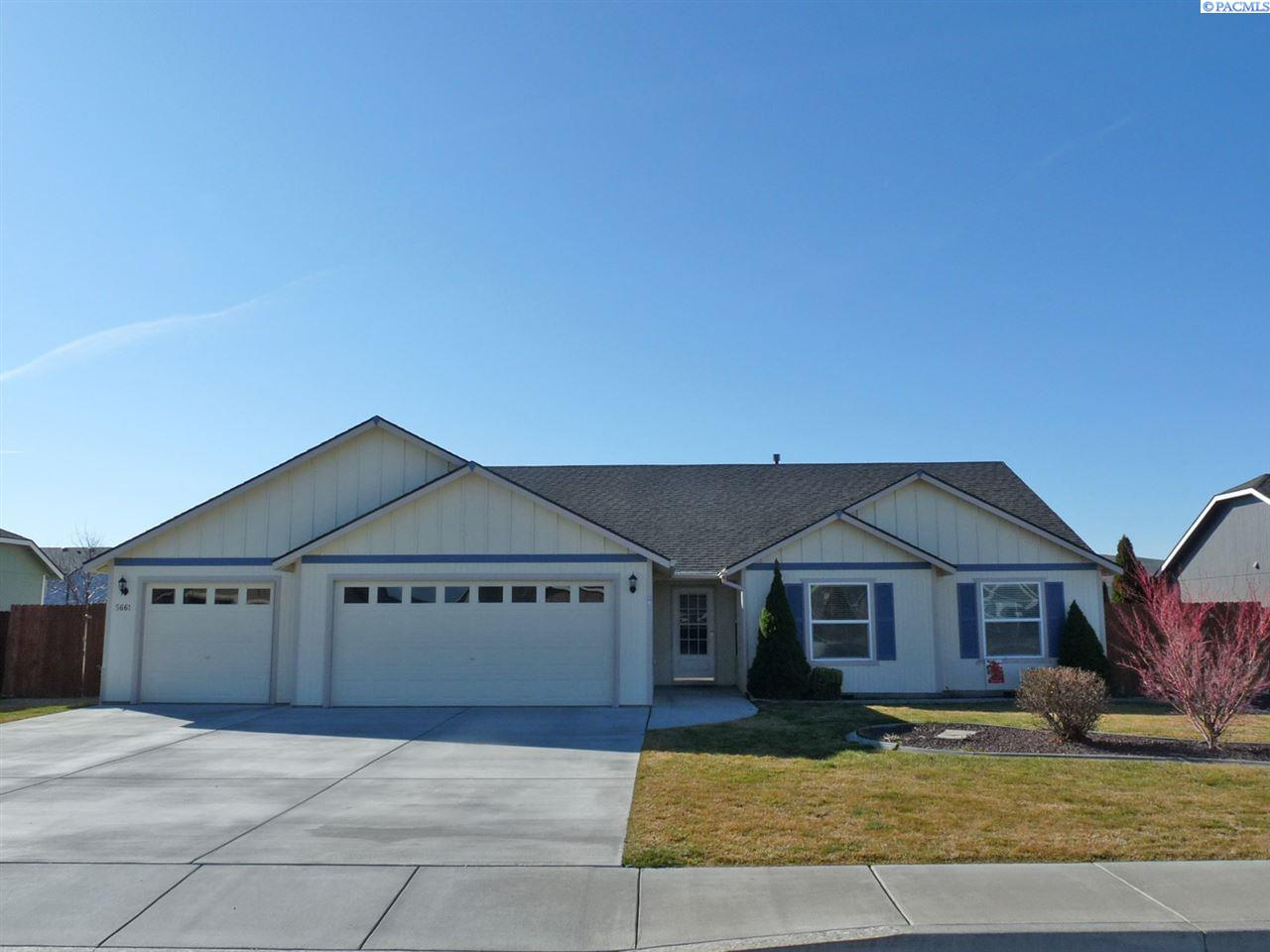 Single Family Home for Sale at 5661 Leilani Drive 5661 Leilani Drive West Richland, Washington 99353 United States