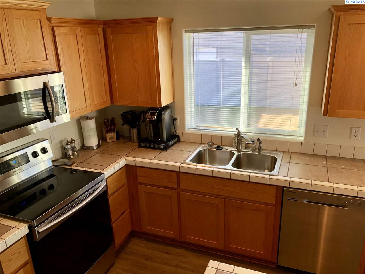 Additional photo for property listing at 7923 Salmon Drive 7923 Salmon Drive Pasco, Washington 99301 United States