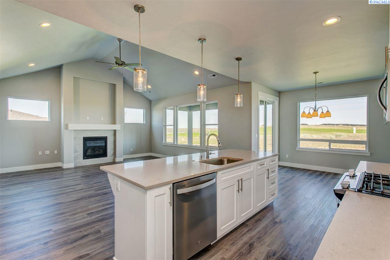 Single Family Home for Sale at 3160 Redhawk Dr 3160 Redhawk Dr Richland, Washington 99354 United States