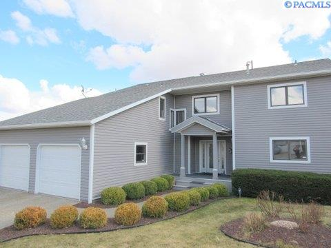 Single Family Home for Sale at 735 SW 745 SW STALEY DRIVE 735 SW 745 SW STALEY DRIVE Pullman, Washington 99163 United States