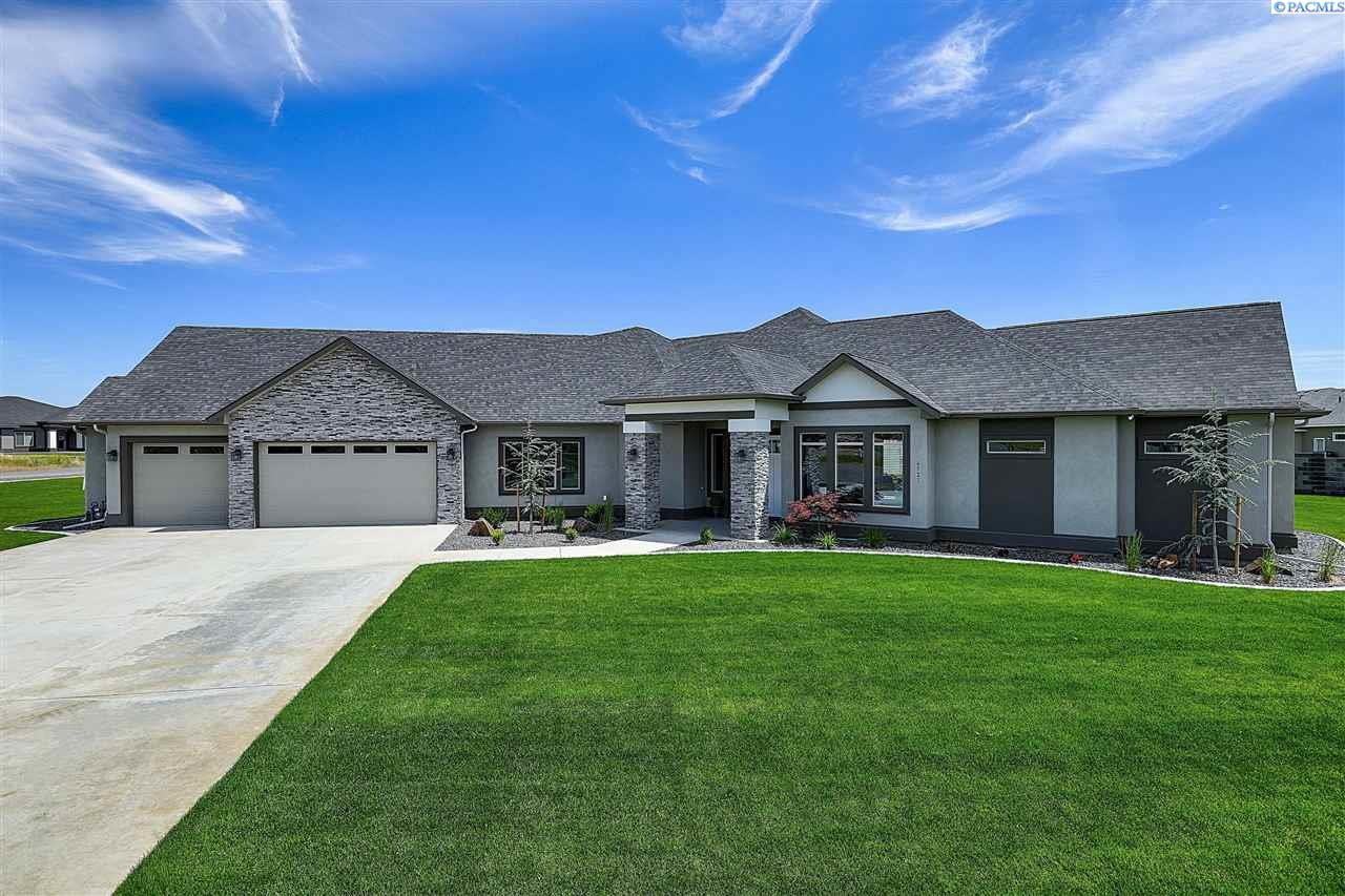 Single Family Home for Sale at 6521 Eagle Crest Drive 6521 Eagle Crest Drive Pasco, Washington 99301 United States