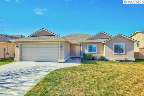 Single Family Home for Sale at 2675 Torrey Pines Way 2675 Torrey Pines Way Richland, Washington 99352 United States