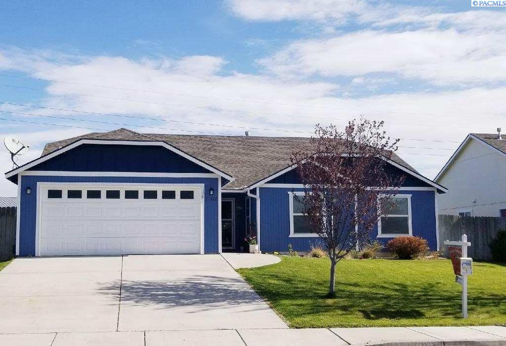 Single Family Home for Sale at 5102 Spirea Drive 5102 Spirea Drive West Richland, Washington 99353 United States